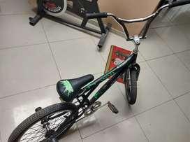 Vendo BMX.