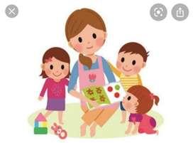 Busco empleo como niñera,profesora o auxiliar de educación