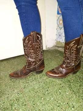 Exelentes botas texanas de mujer