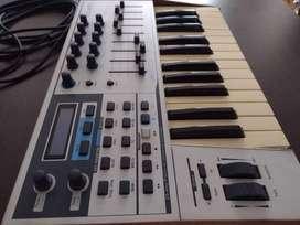 Controlador Midi Arturia Keylab 25