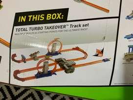 Hot Wheels Total Turbo Takeover Pista para armar.
