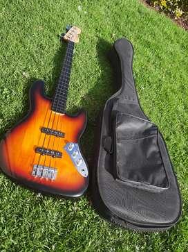 Bajo 4 cuerdas Squier Fender original estilo Fretless, Pasivo Jazz bass, como nuevo