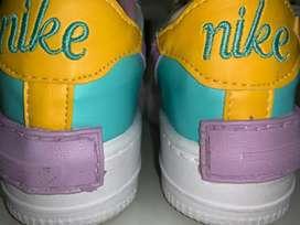Vendo zapatillas mujer  nike , no originales nuevas con caja