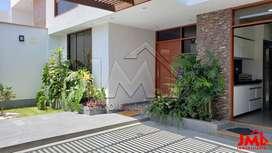 Vendo Casa EN Urbanización Exclusiva Palmeras DEL Golf - Trujillo