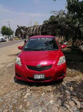 Toyota yaris 2012 en buen estado full aire acondicionado