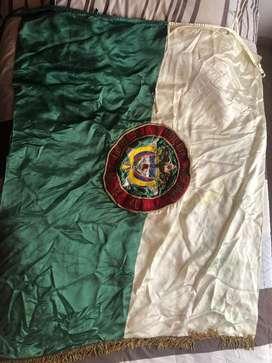 Bandera de la Policia Nacional en alto relieve