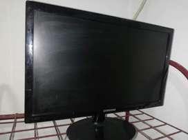 Pantalla con detalle Monitor 19 Pulgadas Samsung