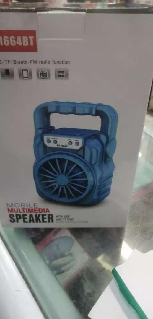 Bafle parlante reproductor de audio sonido musica con radio fm bluetooth lector de memorias usb micro sd led 0