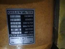 Transformador de Voltaje 440vp 220v2 110