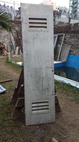 Puerta de metal 54x200