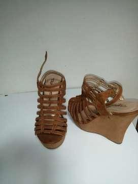 Se venden sandalias de segunda en buen estado