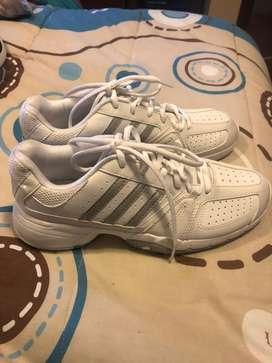 Zapatos deportivos Adidas de mujer, Talla8
