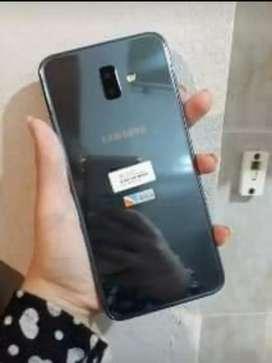 Permuto Samsung j6 plus  por menor y diferencia. Preferentemente j4 (común)