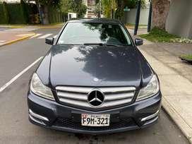 Vendo Mercedes Benz C180 Con kit AMG. Interior impecable, A/C funcionando perfecto.