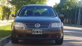 Volkswagen Bora 1.8 Highline T 180cv Cuero