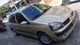 Renault clio dinamic 2005 recién reparado