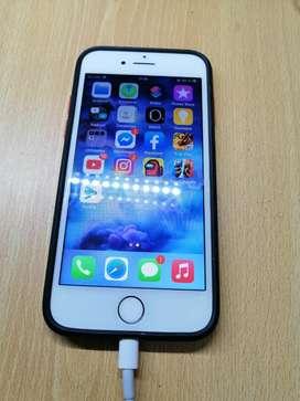 Vendo iphone 7 32 gb cargador y audífonos originales