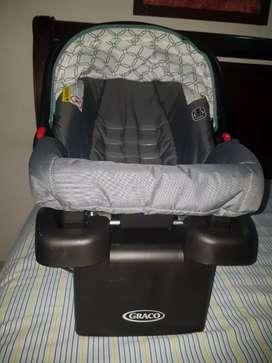 Silla de bebe para carro    negociable