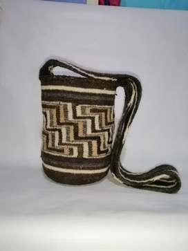 Tutuiku̶ mochila arhuaca