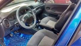 Carro color azul