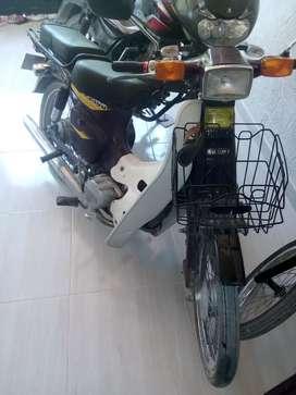 La moto esta muy buena