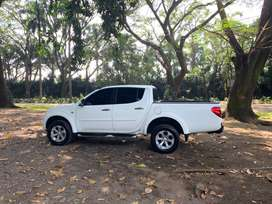 Pick up L200 full equipo, récord de agencia, modelo 2016, 85,000 km