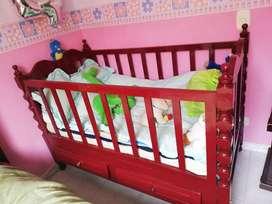 Vendo cuna cama en madera