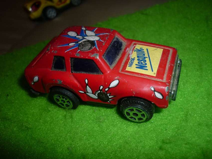ANTIGUO AUTITO DE COLECCION NESQUIK NESTLE 1990s COLOR ROJO . A FRICCION 0
