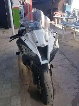 Moto Kawasaki zx10