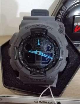 Reloj Casio G Shock gris con esfera digital de resina para hombre