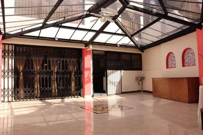 Se Renta Casa grande 375m2, Sector Los Granados, Quito - Ecuador 0