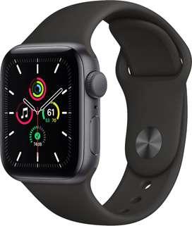 Apple Watch SE (GPS) 40mm  caja de aluminio con correa negra deportiva