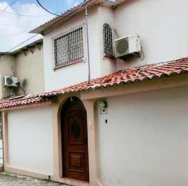 Casa ubicada en urb San Felipe