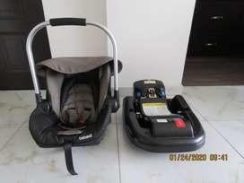 Silla de bebe para carro BEBESIT comprada hace 1 año