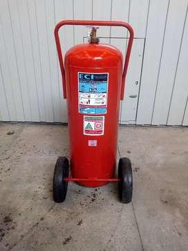 Matafuegos Extintor de espuma AB con carro