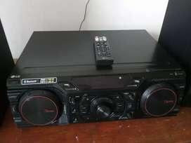 Vendo equipo de sonido marca lg