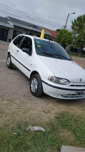 Vendo Fiat Palio 3 puertas nafta motor tipo 1,6 titular listo para transferir