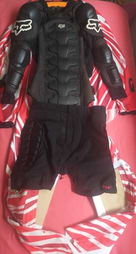 Vendo equipo Radikal race gear marca FOX