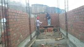 Soy ayudante acentando ladrillos, tarrajeos, pintura y otros acabados