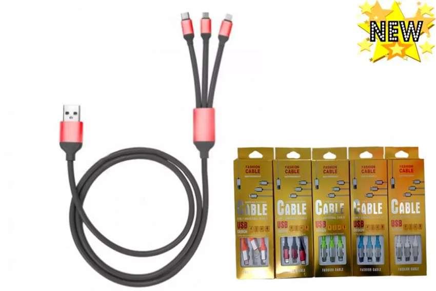 NUEVO - Cables USB  de triple entrada para iphone, Android tipo C y Android tipo MICRO USB 0