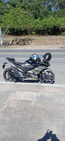 Linda Yamaha R15