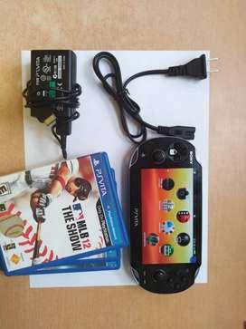 CONSOLA SONY PSVITA PLAYSTATION VITA  MODELO PCH-1101 USADA COMO NUEVA + 5 juegos ORIGINALES PRECIO NEGOCIABLE