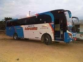 Bus Hino AK 2011