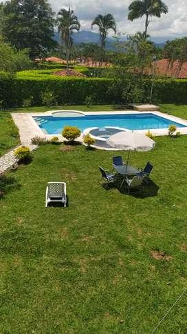Se alquila cabaña con piscina privada por semana mes dias