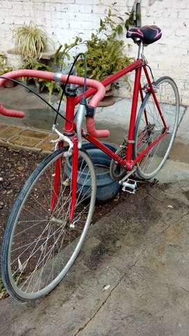 Vendo bici de carrera de hombre ( precio negociable)