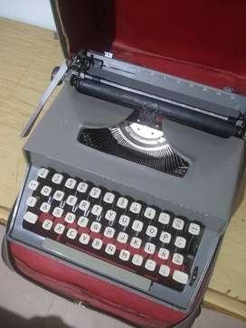 Máquina de escribir Travel Riter Deluxe made in England año 1.960.