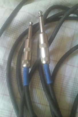 8 MTS Guitara Cable USA