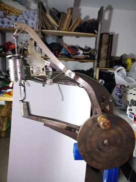 Maquina de coser suelas