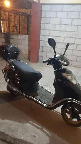 Moto electrica en buen estado
