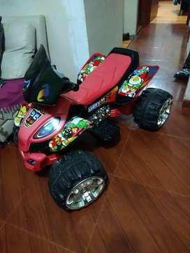 Bonita moto de batería recargable para niño